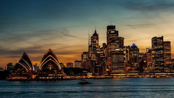 Sydney Opera House at dusk wallpaper