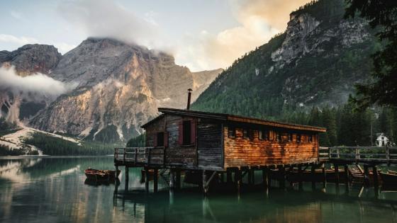 Pragser Wildsee, Dolomites, Italy wallpaper