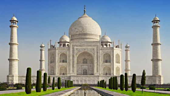 The white marble Taj Mahal wallpaper
