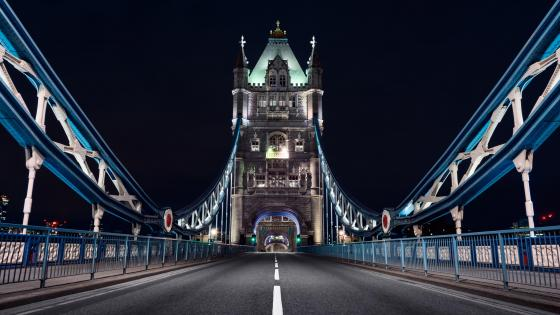 Tower Bridge at night (London) wallpaper