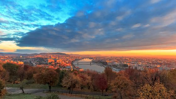 Autumn Budapest wallpaper