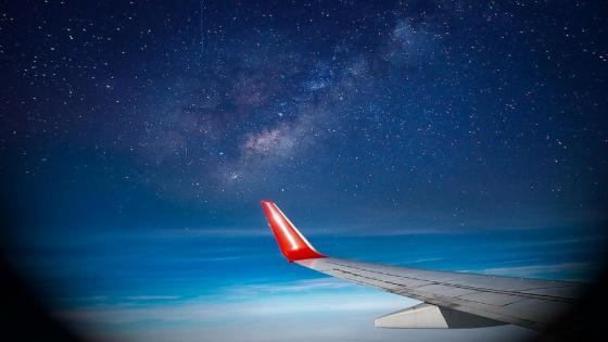 The Milky way on the Wing wallpaper