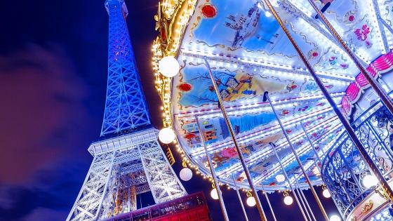 Eiffel Tower in Paris with Carousel wallpaper