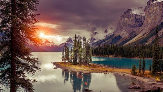 Spirit Island (Maligne Lake, Jasper National Park) wallpaper