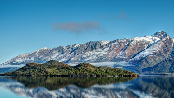 Lake Wakatipu and Pigeon Island wallpaper