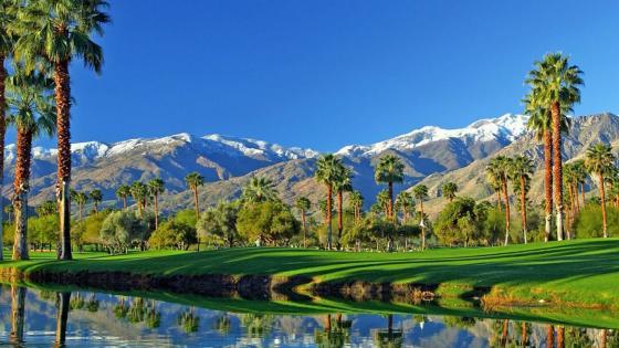 Golf club in Coachella Valley (Palm Springs, California) wallpaper