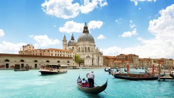 Grand Canal gondola wallpaper