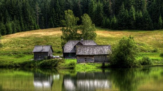 House at the lake wallpaper