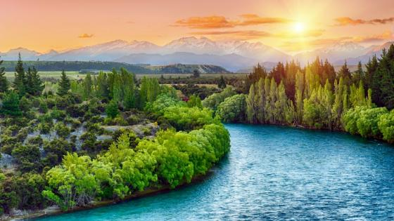 Clutha River bend wallpaper