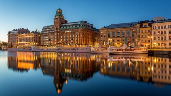 Radisson Blu Strand Hotel reflection (Stockholm, Sweden) wallpaper