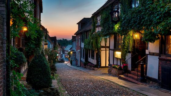 Mermaid Street at dusk (Rye, East Sussex, England) wallpaper