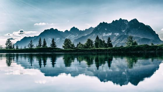 Mountain reflection wallpaper