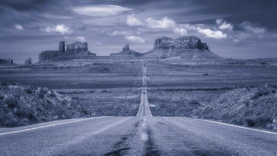 Monument Valley black and white landscape wallpaper