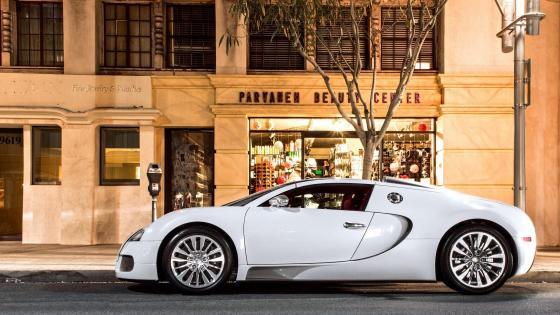 White Bugatti Veyron wallpaper