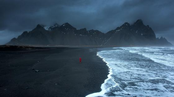 The Horny Mountains of East Iceland: Vestrahorn, Brunnhorn, Eystrahorn wallpaper