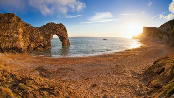 Durdle Door in Jurassic Coast wallpaper