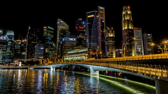 Jubilee Bridge at night (Singapore) wallpaper