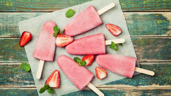 Strawberry ice cream wallpaper