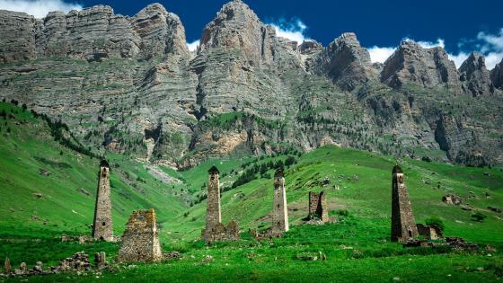 Ingush Towers in Caucasus Mountains (Ingushetia, Russia) wallpaper