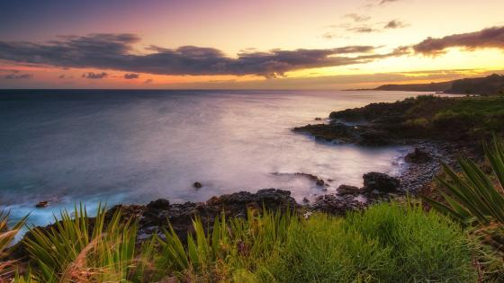 Hawaiian coast at sundown wallpaper