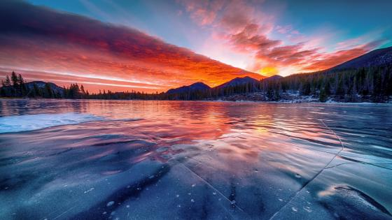 Frozen lake at sunset wallpaper