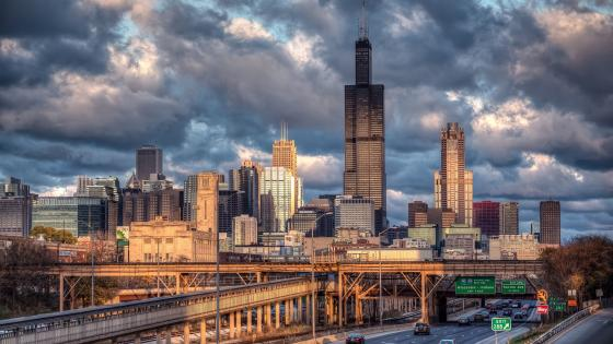Cloudy Chicago wallpaper