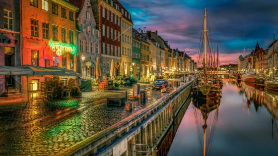 Copenhagen at dusk wallpaper