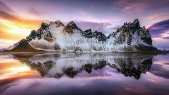 Vestrahorn Mountains reflection wallpaper