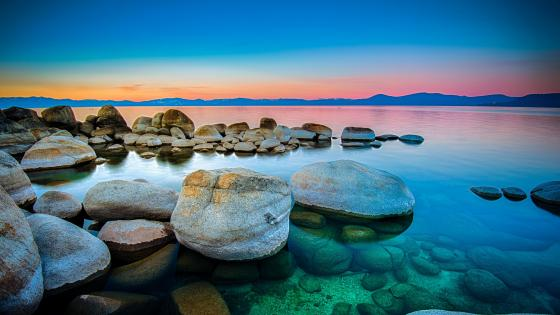 Lakeside circular stone at Lake Tahoe wallpaper
