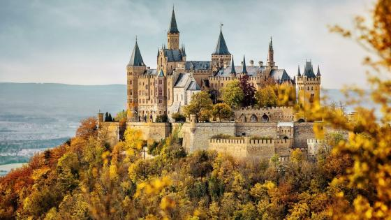 Hohenzollern Castle at fall wallpaper