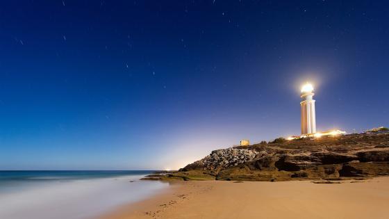 Lighthouse at Cape Trafalgar wallpaper