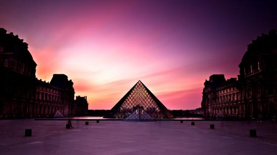 Louvre wallpaper