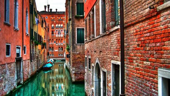 Venice canal view wallpaper