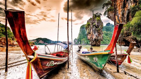 Fishing boats near James Bond Island wallpaper
