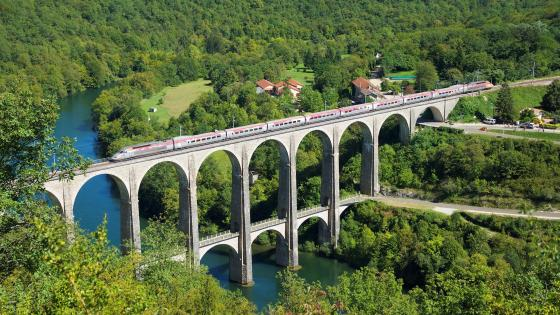 Cize–Bolozon Viaduct (France) wallpaper