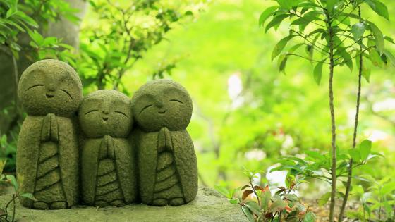 Jizo statues (Hase-dera Temple) wallpaper