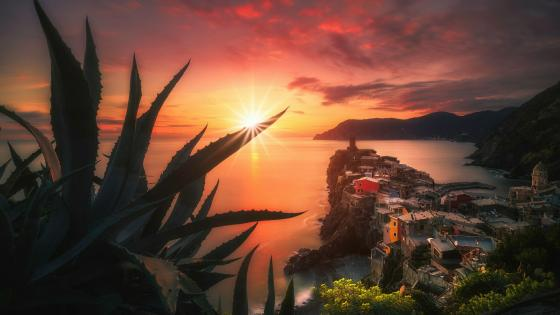 Vernazza at sunset wallpaper