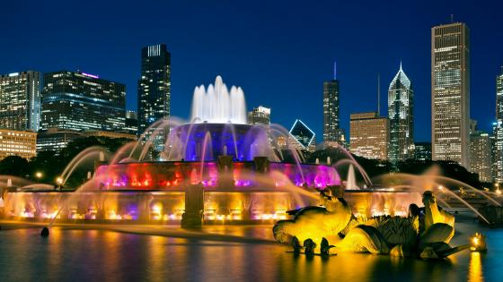 Multicolored Buckingham Fountain wallpaper