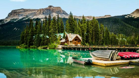 Emerald Lake, Yoho National Park, British Columbia wallpaper