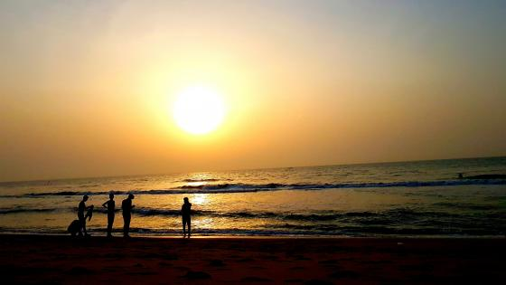 Sunrise at Palavakkam Beach wallpaper