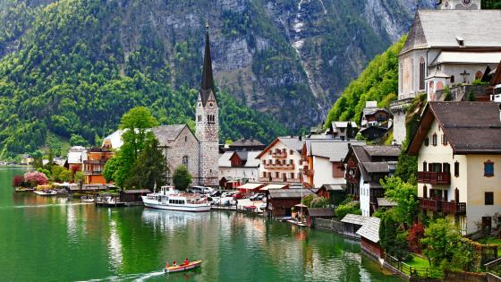 Hallstatt in summer (Austria) wallpaper