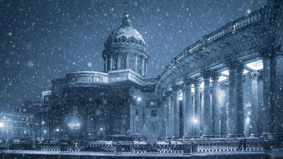 Kazan Cathedral at snowfall, Saint Petersburg wallpaper