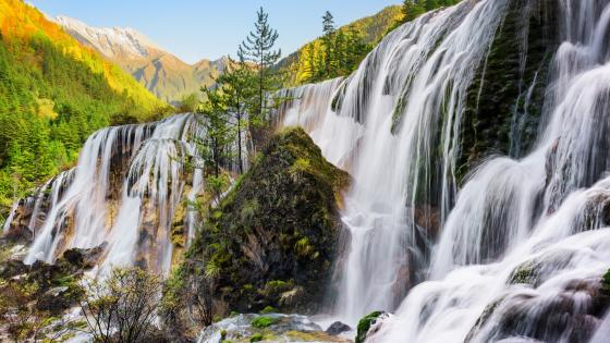 Pearl Shoal Waterfall in Sichuan, China wallpaper