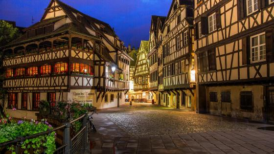 Tanners House at night (Strasbourg) wallpaper