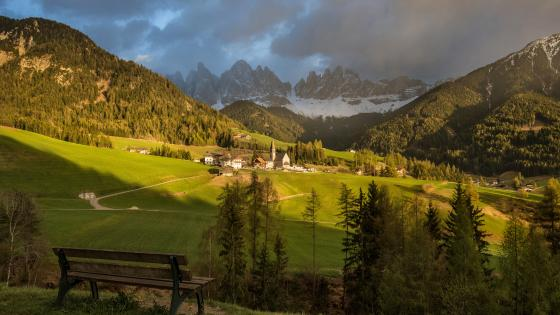 Val di Funes/Villnöss Valley wallpaper