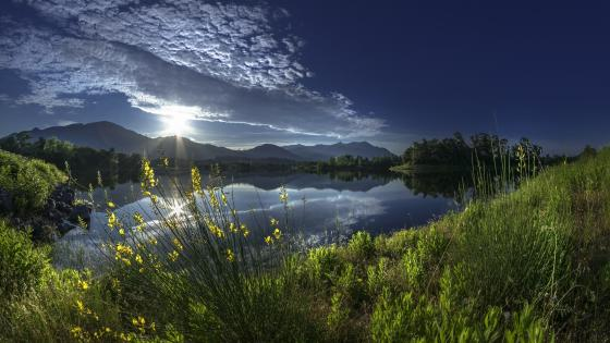 Sunrise from the lakeside wallpaper