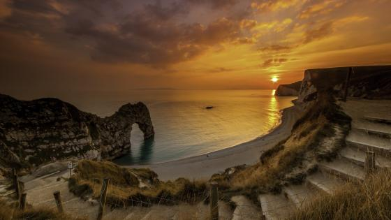 Durdle Door at sunset wallpaper