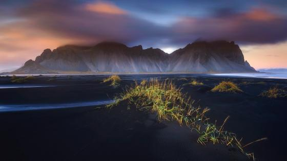 Stokksnes and the Vestrahorn Mountains wallpaper