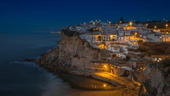Azenhas do Mar at night wallpaper