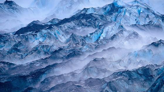 Lamplugh Glacier in Glacier Bay National Park wallpaper